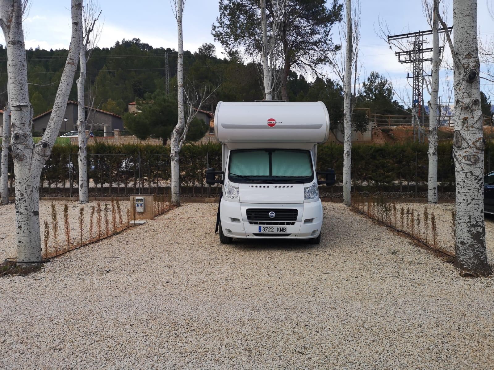 Camping Río Tus en Yeste, parcela Top